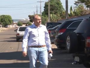 Gustavo Valmórbida chegando à PF para prestar depoimento antes de ser preso (Foto: Rede Amazônica/Reprodução)