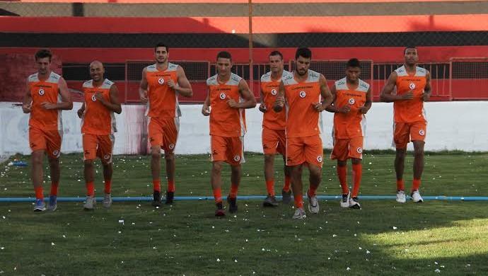 campinense treino físico (Foto: Nelsina Vitorino / Jornal da Paraíba)