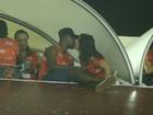 Thiaguinho e Fernanda Souza beijam muito e ele se declara: 'Minha rainha'