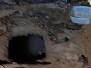 Túnel dentro de cela foi via de duas fugas consecutivas (Foto: Comissão do Sistema Penal da OAB)