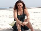 Aos 44 anos, Dani Escobar mantém pernas esculturais mas diz: 'Short só na praia'