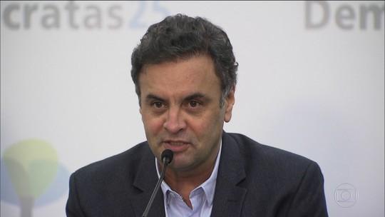 Aécio Neves é afastado da função de senador e deixa presidência do PSDB