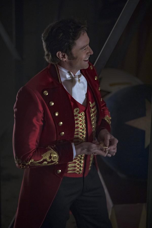 Hugh Jackman, com relógio Montblanc, em O Rei do Show (Foto: reprodução)
