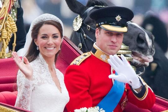 O casamento do príncipe William com a plebeia Kate Middleton, em 2011  (Foto: Reprodução)