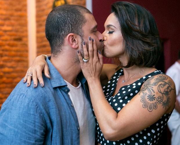 Diogo e a esposa Milena Nogueira no lançamento do novo álbum do cantor (Foto: Isabella Pinheiro/Gshow)