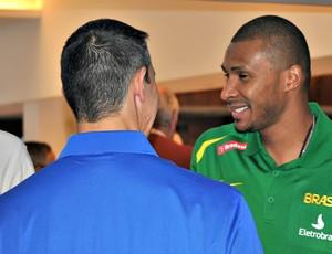 Basquete Leandrinho apresentação da seleção em São Paulo (Foto: João Gabriel Rodrigues/GLOBOESPORTE.COM)