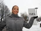Valesca Popozuda visita sede da Fifa em Zurique