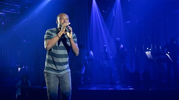 Thiaguinho ensaia para sua estreia como apresentador do Multishow (Foto: Tas Malheiros)