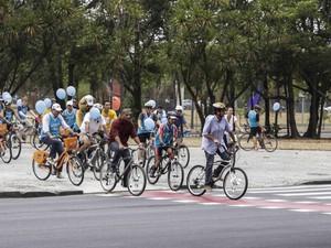 Prefeito Eduardo Paes participou de inauguração de ciclofaixas que ligam o Centro à Zona Sul do Rio neste domingo (16) (Foto: Raphael Lima/Prefeitura do Rio/Divulgação)