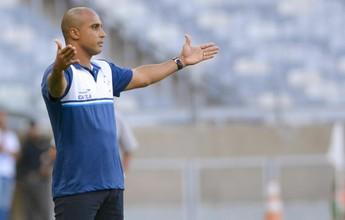 """Bob Faria diz que faltou """"eloquência""""  a Deivid no Cruzeiro: """"Mais firmeza"""""""