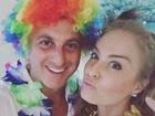 Angélica posa com Luciano Huck em clima de Carnaval