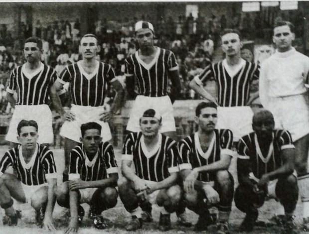 Time do Rio Branco-ES em 1942 (Foto: Reprodução/Livro Rio Branco Atlético Clube - Histórias e Conquistas)