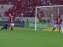 """Rafael Vaz corta bola em cima da linha, salva o Fla e é escolhido como """"vilão"""""""