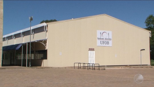 Estudantes desocupam Ufob após 2 meses; aulas retornam dia 4 de janeiro