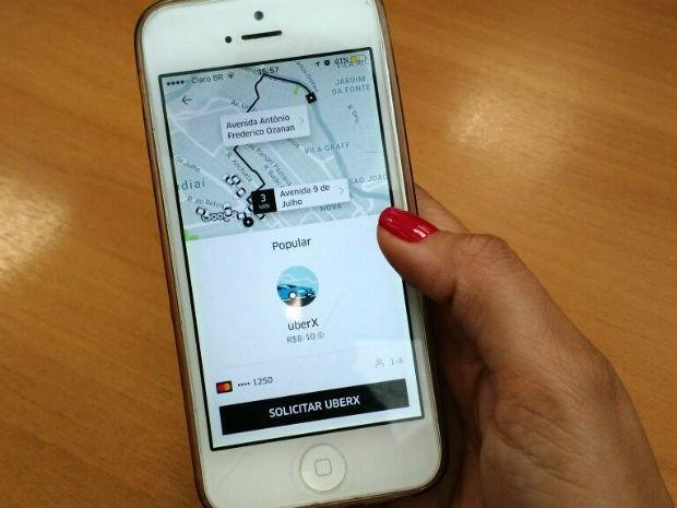 Motoristas do Uber, em Jundiaí, estão sendo ameaçados por taxistas (Foto: Natália de Oliveira/G1)