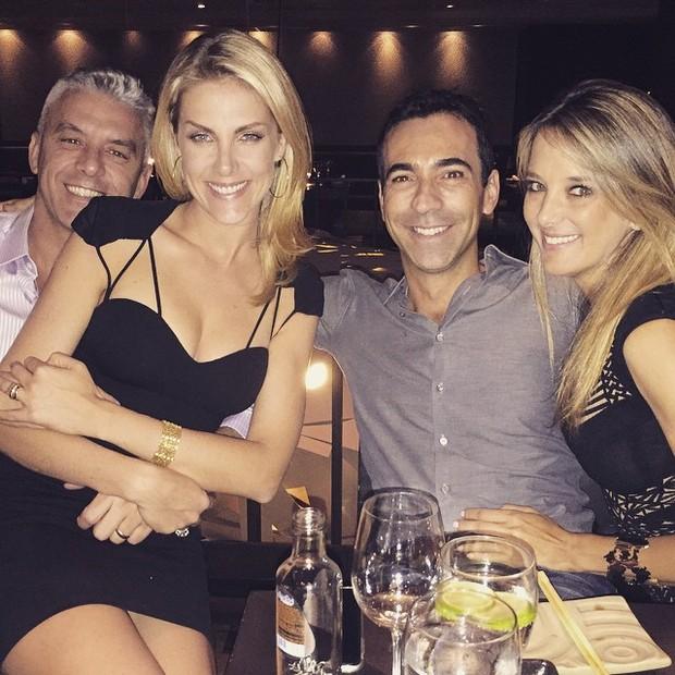 Ana Hickmann e o marido, Alexandre Côrrea, com Ticiane Pinheiro e César  Tralli em 825d315dc5