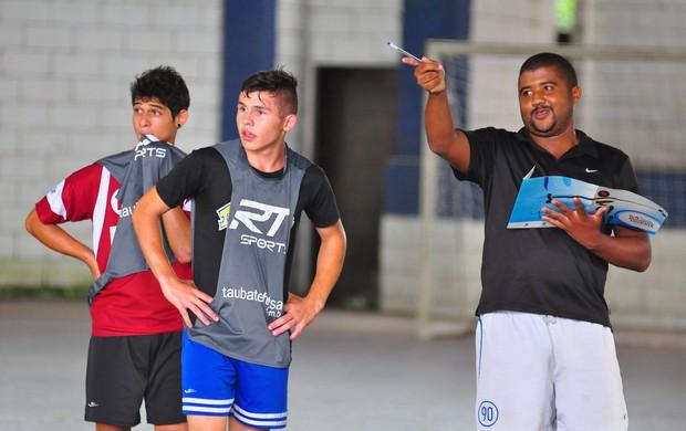 Seletiva procura novos talentos em Taubaté (Foto: Jonas Barbetta/ Top 10 Comunicação)
