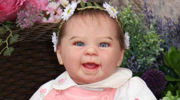 3c5380023 Bonecos artesanais idênticos a bebês fazem sucesso no Brasil - PEGN ...