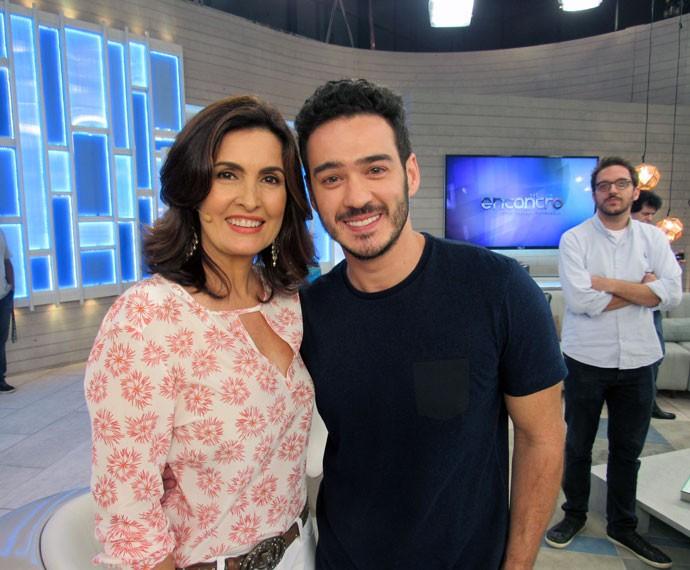 Apresentadora com Marcos Veras nos bastidores do programa  (Foto: Viviane Figueiredo Neto/Gshow)