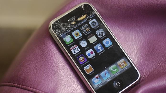 A assistência técnica da Apple geralmente envia para o usuário um novo modelo de iPhone, quando contratada (Foto: Reprodução/Flirck - spo0nman)