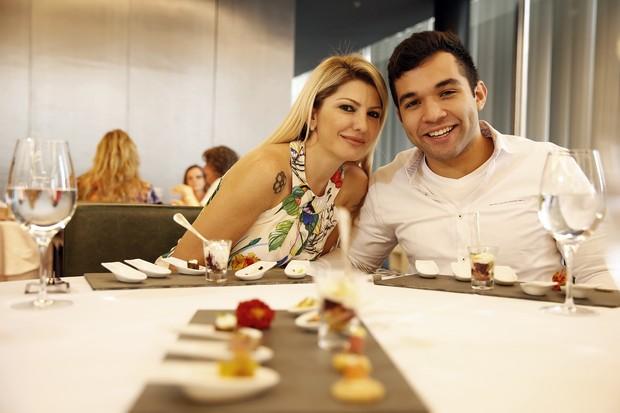 Antônia Fontenelle e Jonathan Costa (Foto: Marcos Serra Lima / EGO)