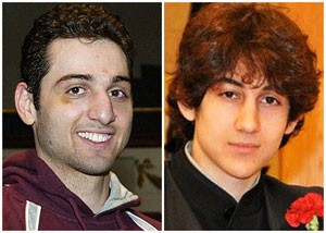 Irmãos Tamerlan Tsarnaev, de 26 anos, (esquerda) e Dzhokhar Tsarnaev, de 19 anos  (Foto: The Lowell Sun/Robin Young/AP)