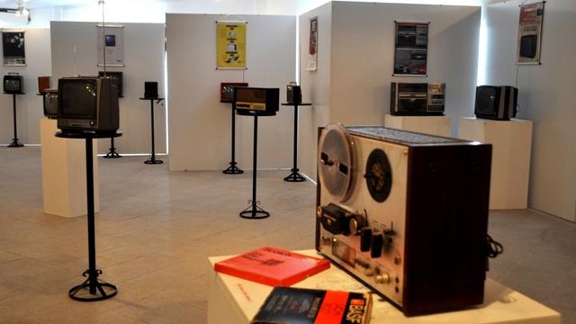 Exposição reúne acervo sobre história do rádio (Foto: Divulgação/ Lauro Vasconcelos)
