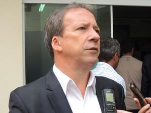 Secretário estadual da Casa Civil, Edson Aparecido suzano (Foto: Pedro Carlos Leite/G1)