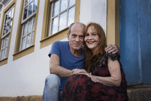 """Ney Matogrosso e a diretora de """"Ralé"""", estreado por ele, Helena Ignez (Foto: Leo Lara)"""