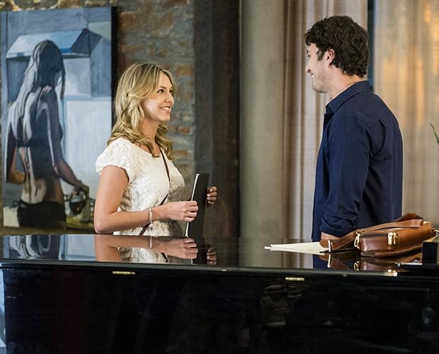 A atriz contracenando com o ator Gabriel Braga Nunes na novela 'Em Família' (Foto: João Miguel Júnior)