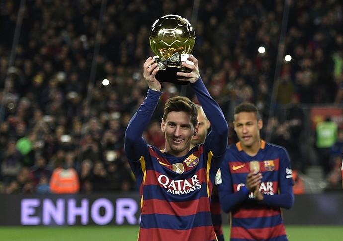 Neymar e Messi Bola de Ouro Barcelona x Athletic Bilbao (Foto: AFP)
