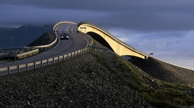 Não é fácil dirigir na rodovia quando o tempo fecha (Foto: Wolfgang Kaehler/Getty Images)