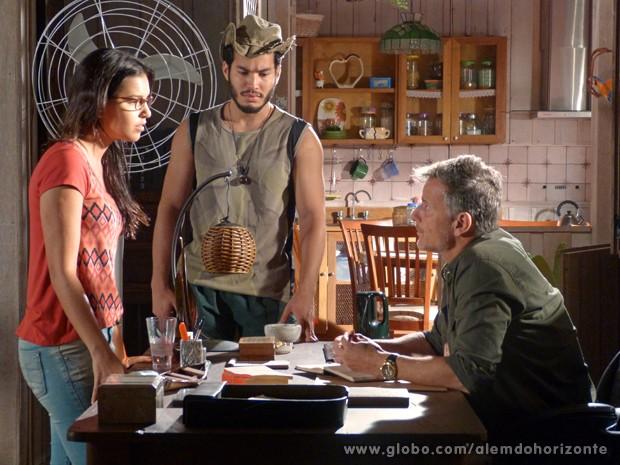 Celina implora para Kléber ajudar Nilson (Foto: Além do Horizonte/TV Globo)