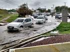 Casa desaba e vias ficam alagadas durante chuva em Manaus