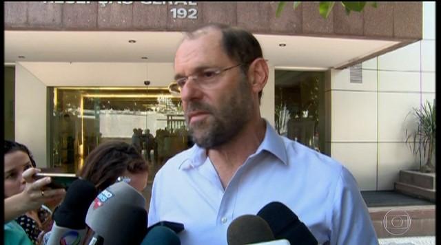 Governador Luiz Fernando Pezão passa mais uma noite no hospital