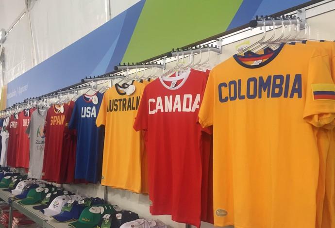 d6aefcada Inauguração da loja oficial da Rio 2016 em Copacabana  camisa de paises -  100