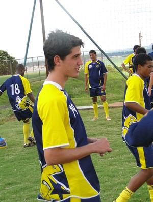 Matheus Mancini, zagueiro do Olé Brasil (Foto: Rhené Cavichia)