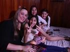 Experiência de filhas com microcefalia faz mãe criar grupo de apoio na web