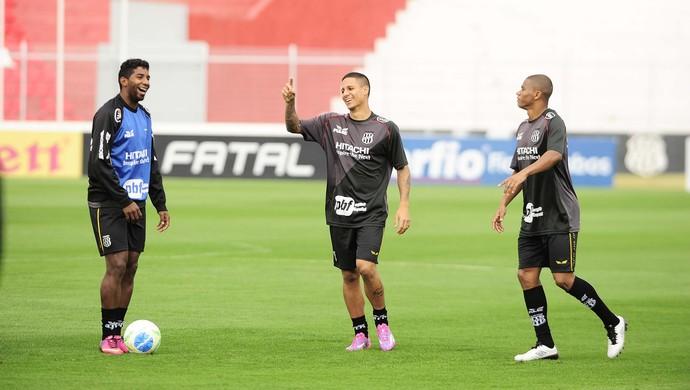 Jogadores Rodinei Roni Juninho Ponte Preta Treino (Foto: Marcos Ribolli / GloboEsporte.com)