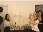 Sandy faz Mannequin Challenge com Tiago Iorc