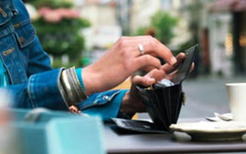 Vai pagar como? Veja hora certa de usar crédito, débito, cheque ou dinheiro