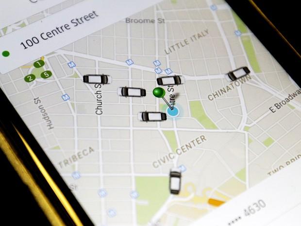 Aplicativo permite que passageiros solicitem corridas de motoristas na área (Foto: AP/Mary Altaffer)