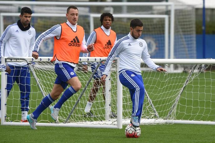 Hazard treino Chelsea (Foto: Reprodução / Facebook)
