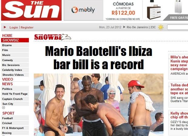 Mario Balotelli e amigos em Ibiza: conta recorde (Foto: Reprodução)