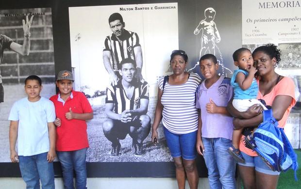 Família do Garrincha visita o Botafogo  (Foto: Divulgação / Flickr Oficia do Botafogo)