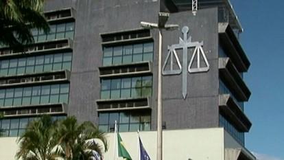 Moradores de Cachoeiro de Itapemirim, ES, negociam dívidas de IPTU
