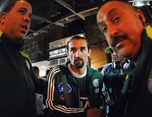 Chegada dos jogadores do Palmeiras em Curitiba, Barcos (Foto: Marcos Ribolli / Globoesporte.com)