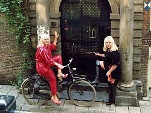 Louise e Martine quando ainda trabalham juntas. (Foto: BBC)