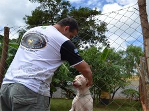 """Adestrador se diz """"fissurado"""" por cães desde a infância (Foto: Fausto Daniel)"""