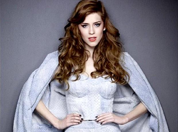 Dividir cabelo do jeito certo pode rejuvenescer mulher em até cinco anos; veja exemplos